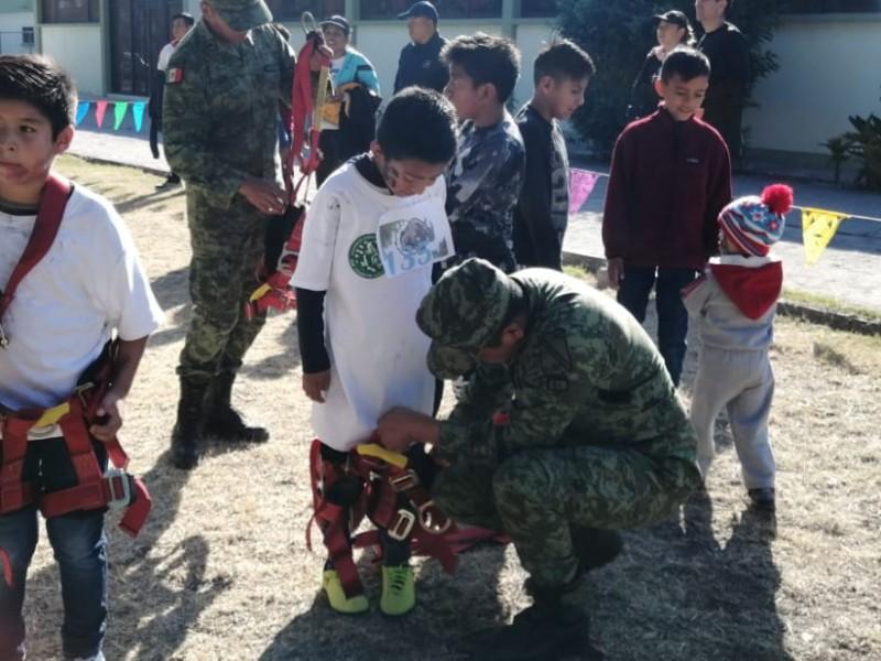 Organizan paseo en campo militar
