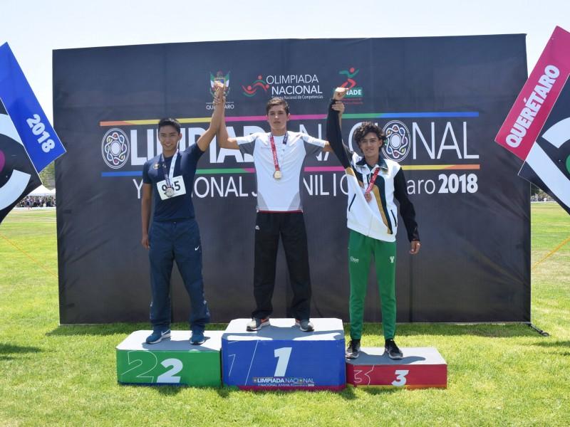 Oro para Nayarit en salto con garrocha sub18