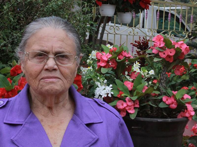 Otorgan visa humanitaria a mamá de 'El Chapo'
