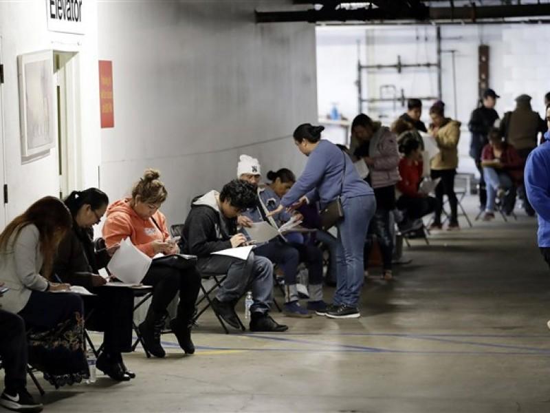Otros 2.4 millones de estadounidenses piden apoyo por desempleo