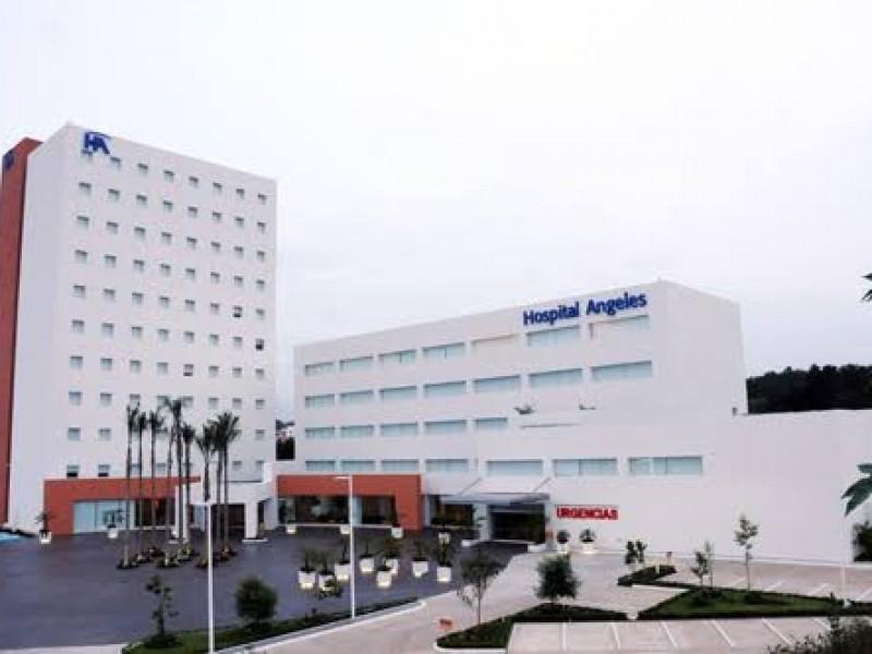 Paciente con probable covid muere al exterior de Hospital Ángeles
