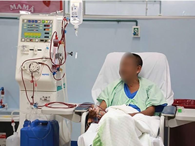 Pacientes de Hemodiálisis  enfermaron gravemente, responsabilizan a la Secretaría