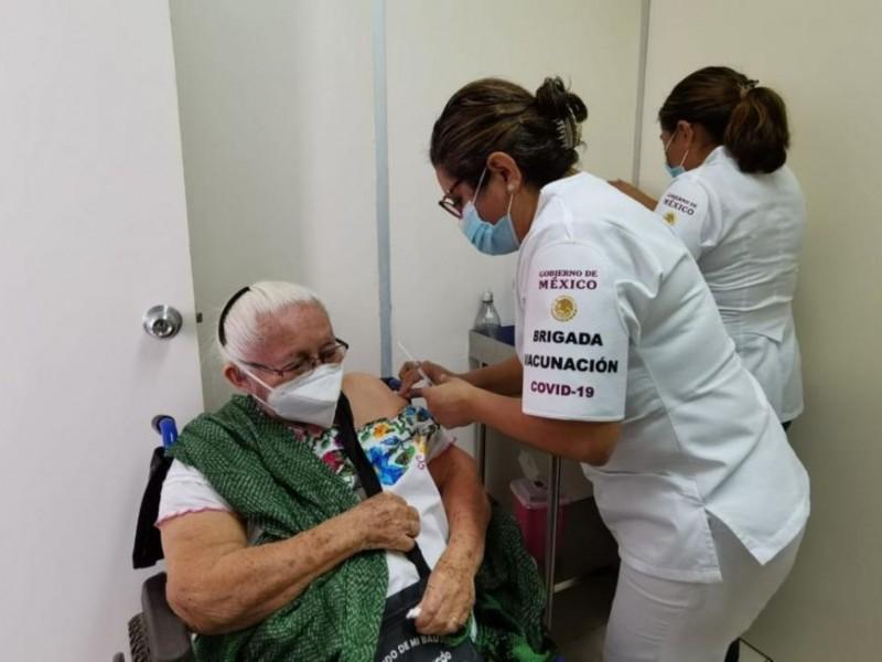 Pacientes oncológicos mantendrán seguimiento especial posterior a vacunación