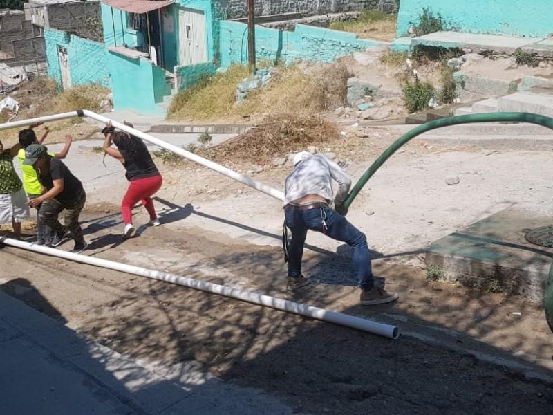 Padecen vecinos de lomas del Centinela falta de agua