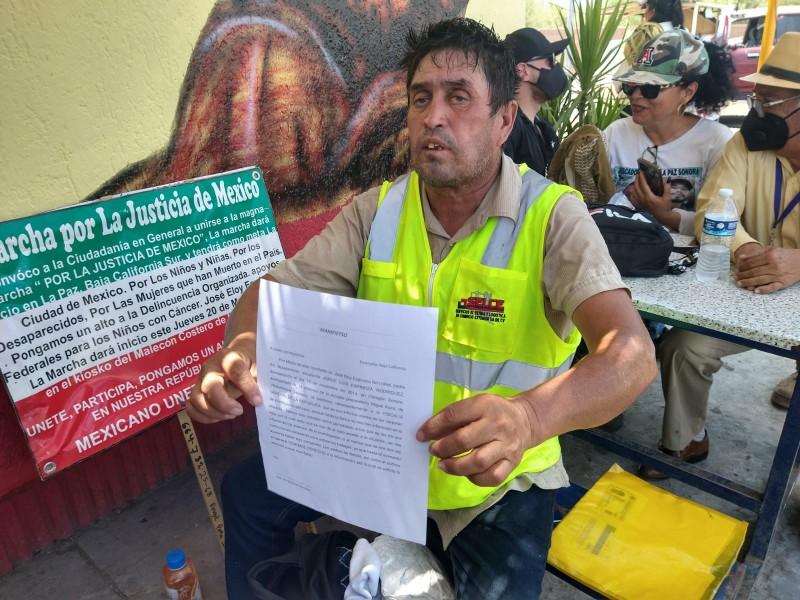 Padre camina de la Paz a CDMX por hijo desaparecido