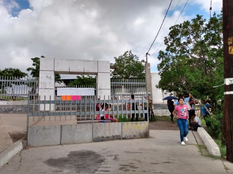Primaria Montelolita sin agua y luz por robos