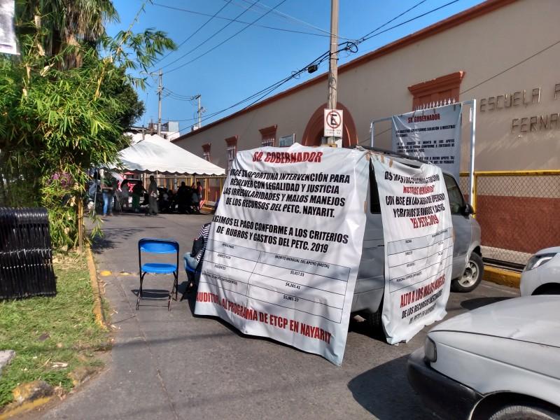 Padres de primaria Fernando Montaño denuncian amenazas