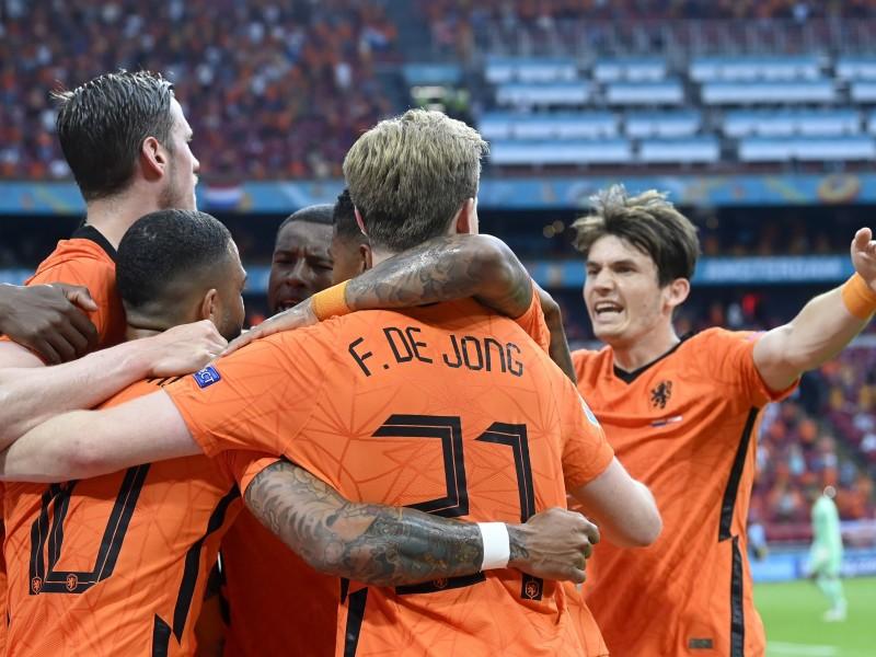 Países Bajos aseguró su pase a octavos