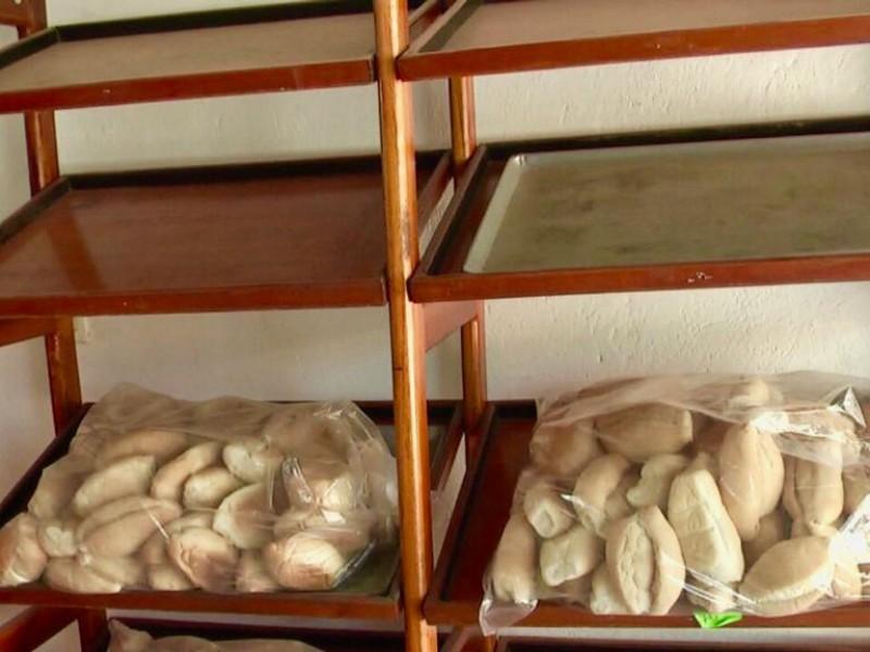 Panaderos en problemas por alza de costo en insumos