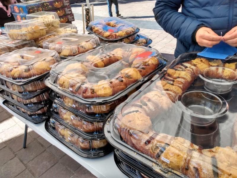 Panaderos ofrecen la tradicional Rosca de Reyes