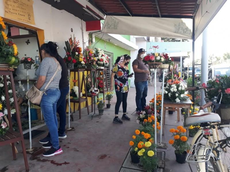 Pandemia deja 70% de pérdidas en sector florista