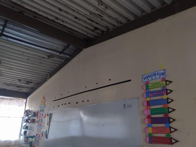 Pandemia evidencia abandono de escuelas en Michoacán