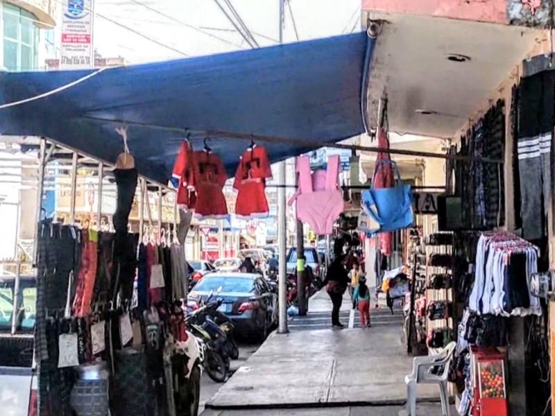 Pandemia golpea economía de comercio informal en Zamora