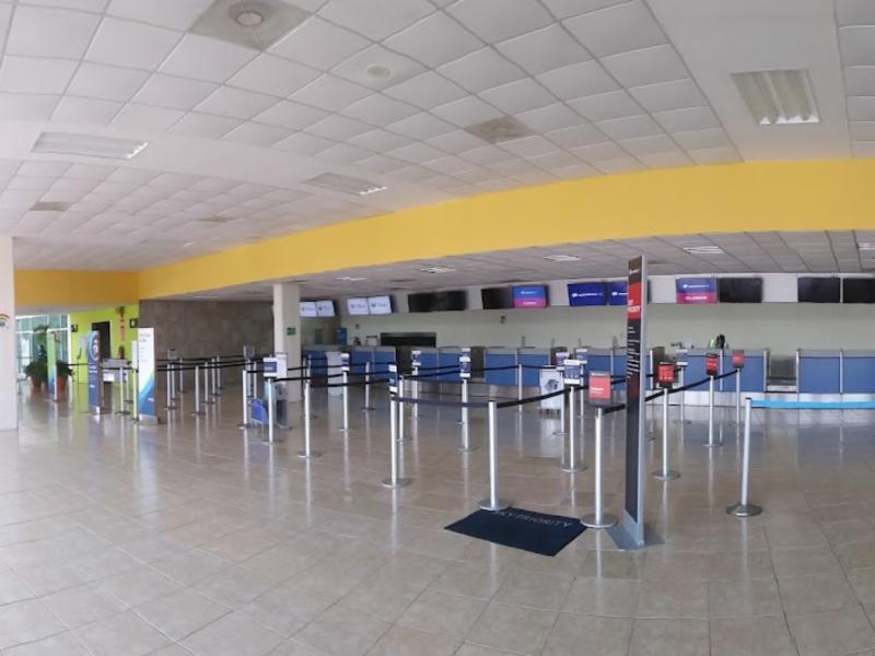 Pandemia golpea la actividad aeroportuaria de Colima