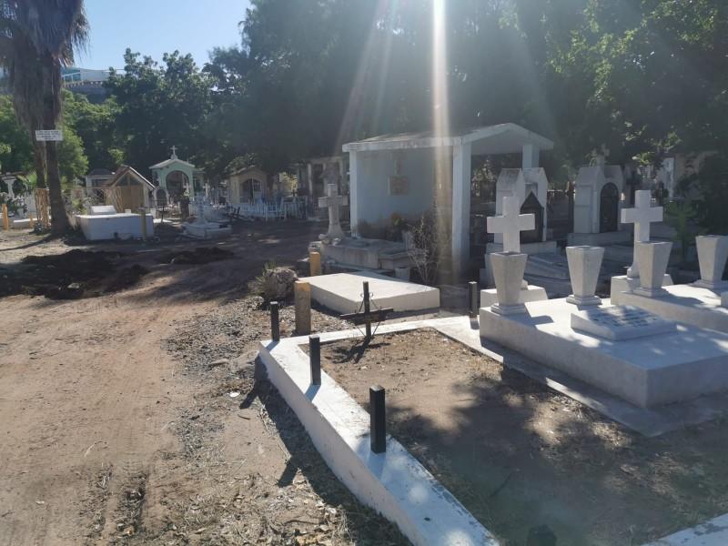 Panteón municipal listo para el día de muertos