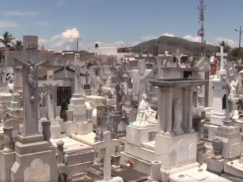 Panteones de Tepic estarán abiertos por el día del padre