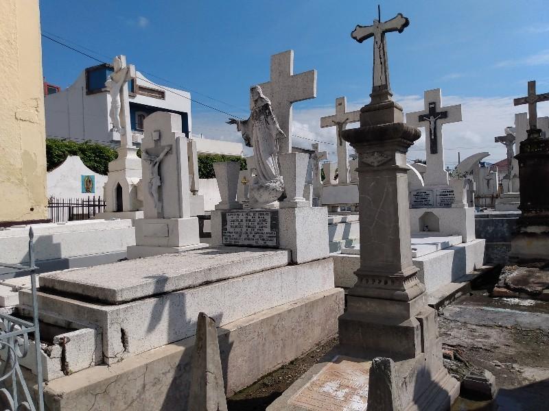 Panteones permanecerán cerrados el 10 de mayo