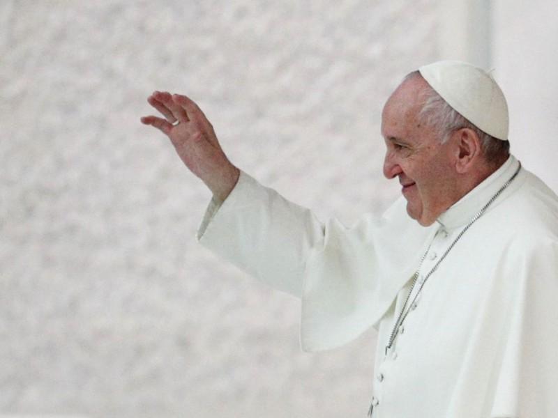 Papa Francisco expresa preocupación actividad militar Ucrania