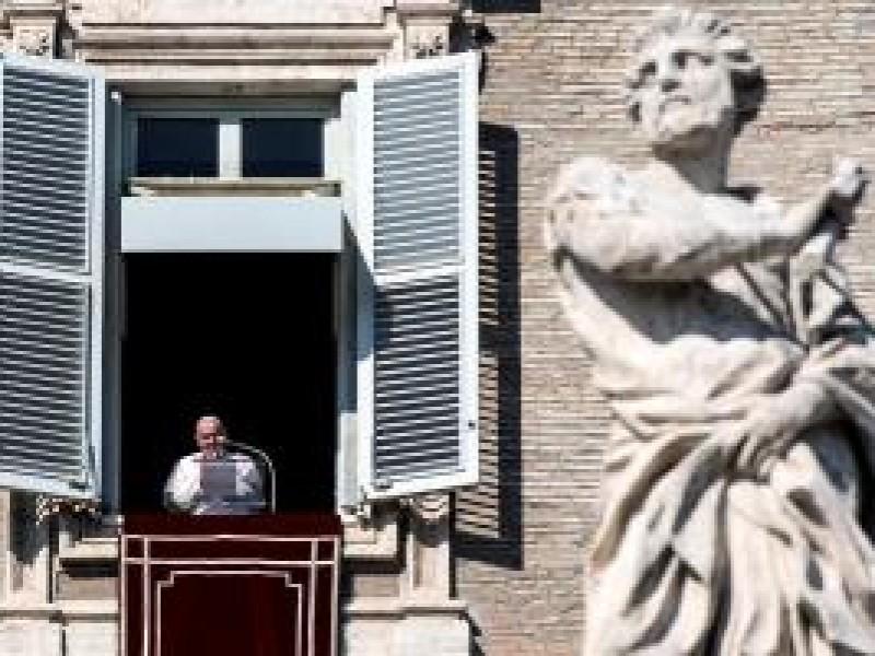 Papa Francisco muestra solidaridad con afectados de ETA