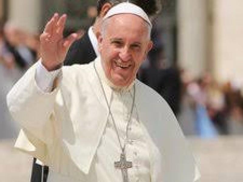 Papa Francisco se solidariza con víctimas de covid-19