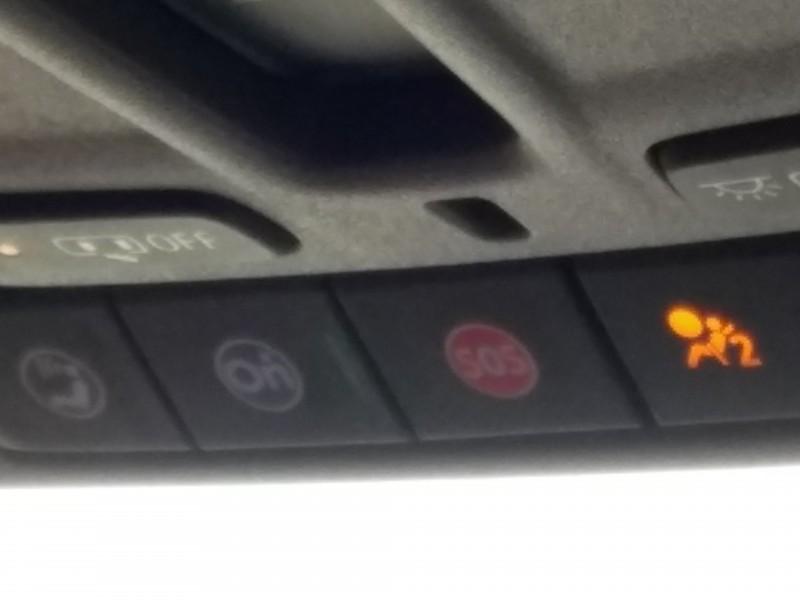 Para seguridad instalan botones S.O.S. en autos