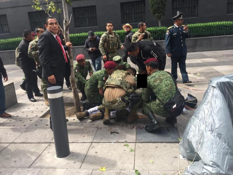 Paracaidista sufre accidente durante Desfile Militar