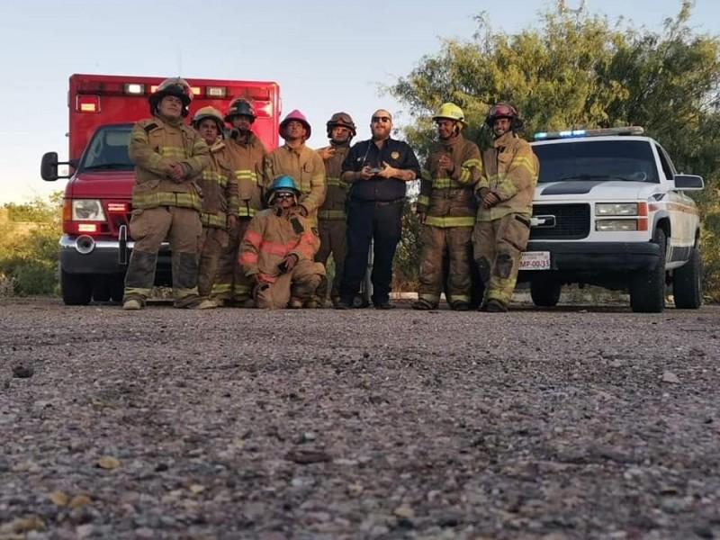 Paramédicos montan carwash para recaudar fondos en atención a emergencias