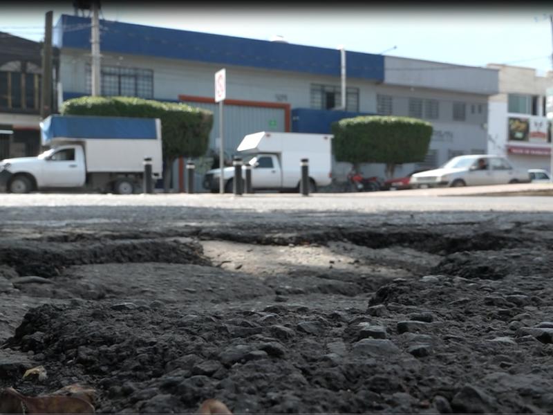 """""""Parchado de bache"""" en calle Brasilia, no elimina afectación"""