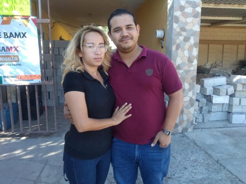 Pareja busca ayudar a matrimonio con vivienda de material