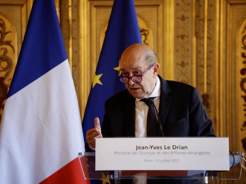 París acusa a EE.UU. de mentir