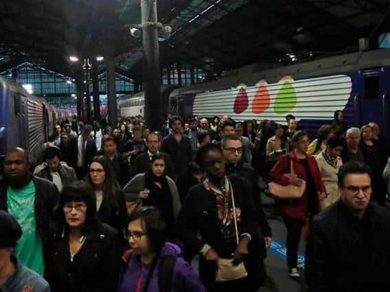 Paro de servicio de trenes afecta a franceses