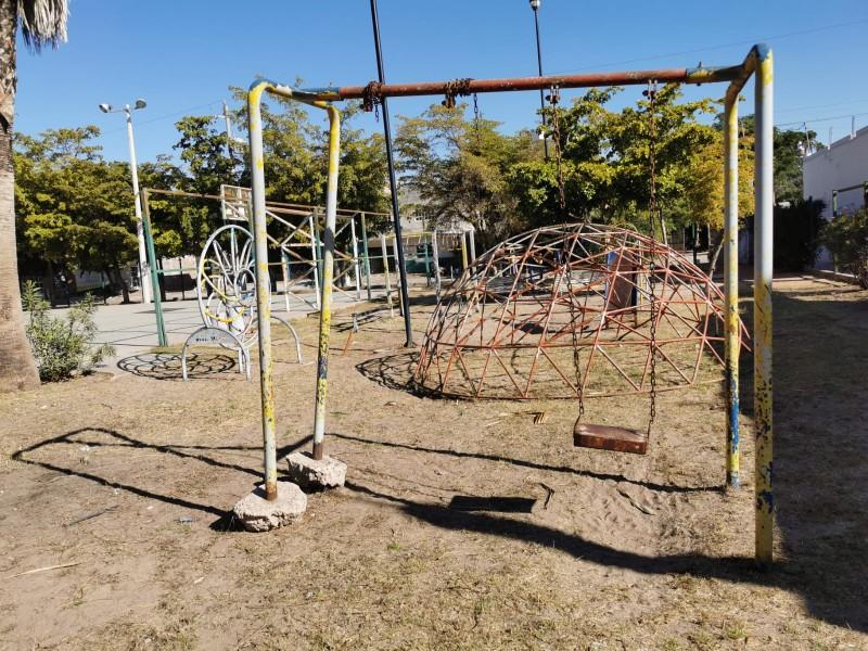 Parques en total abandono por Ayuntamiento en Los Mochis