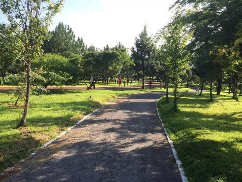 Parques no abrirán pronto