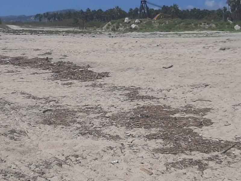 Pasadas la lluvias todavía hay playas sucias