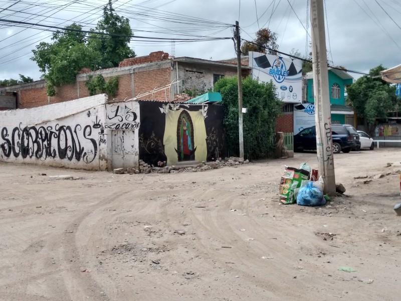 Pavimentación e inseguridad viven habitantes de la Nueva Candelaria.