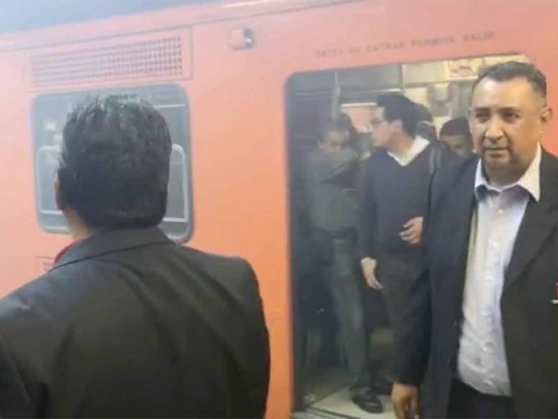 Pelean mujeres en el Metro con gas pimienta