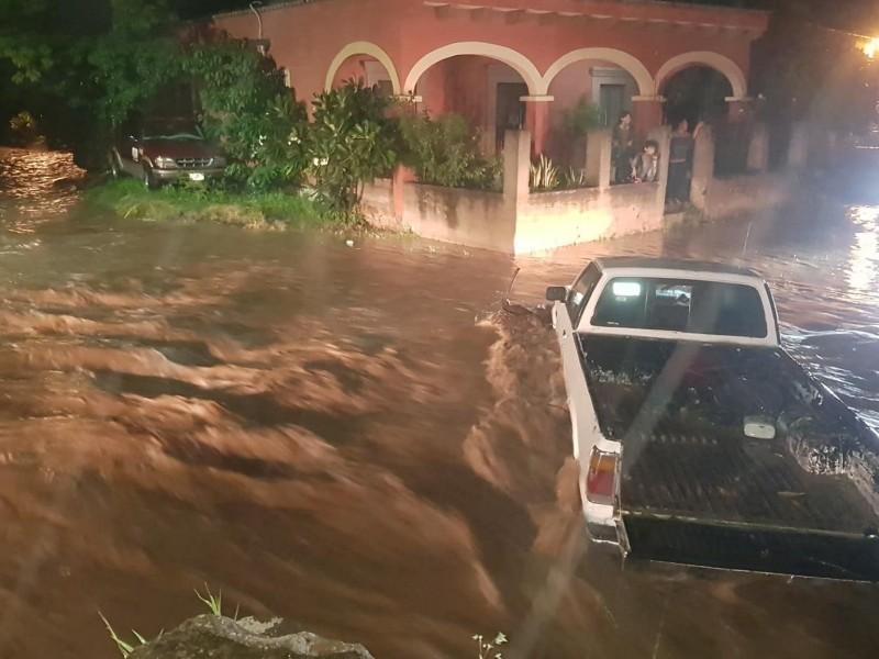 ¡Peligro! crecen arroyos y ríos en Álamos tras lluvia