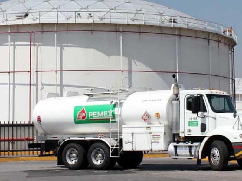 Pemex no tiene suficiente equipo para abastecernos: gasolineros