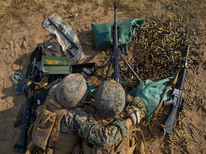 Pentágono anuncia reducción de sus tropas en Afganistán e Irak