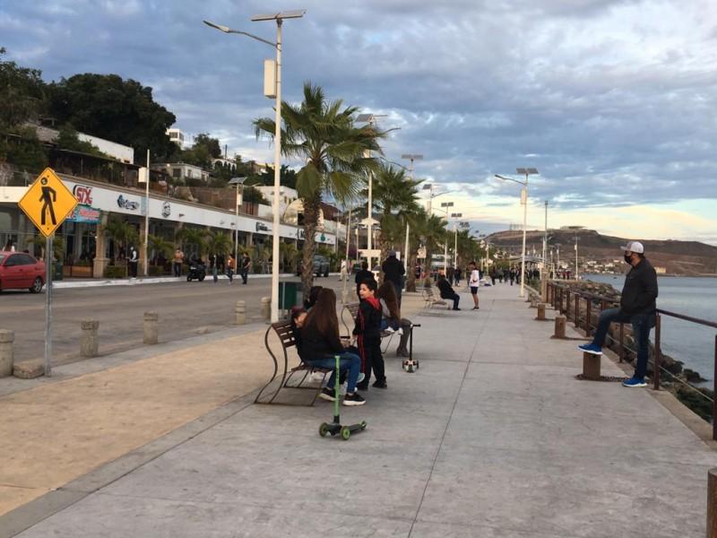 Pequeños comerciantes de Topolobampo evidencían aglomeraciones en restaurantes