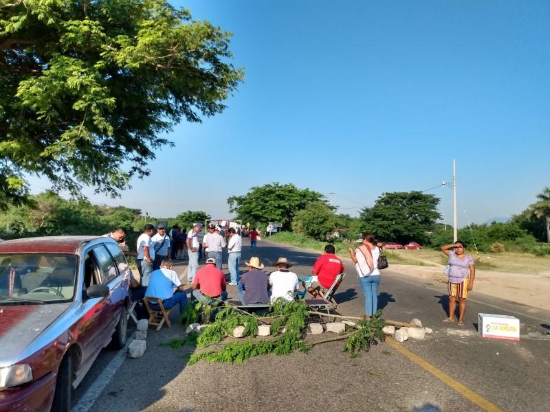Pérdidas económicas dejan bloqueo carreteros: Canacintra