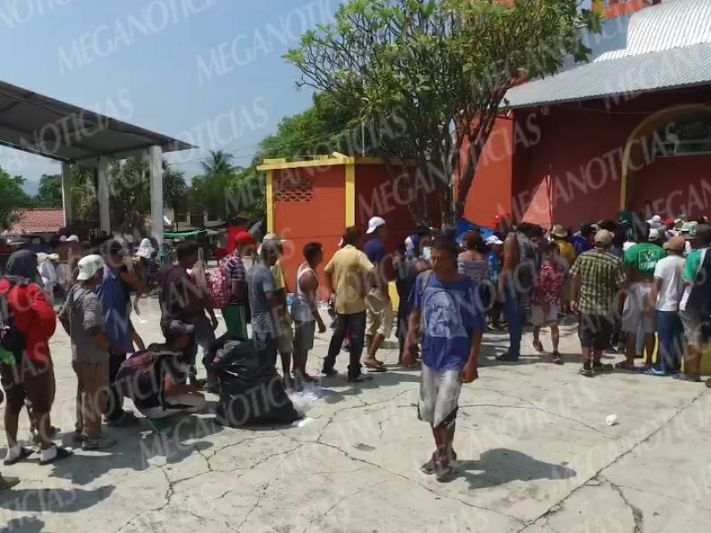 Permanece la Caravana de Migrantes en Tapanatepec