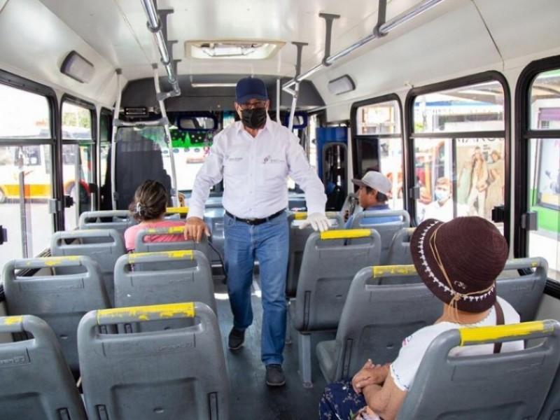 Permanecerán restricciones sanitarias en transporte público