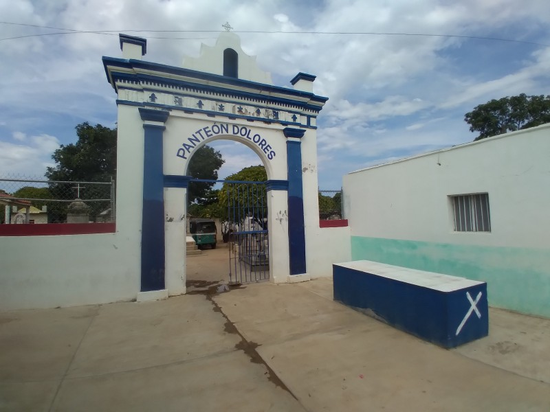 Permitirán acceso a panteones por día de muertos en Tehuantepec
