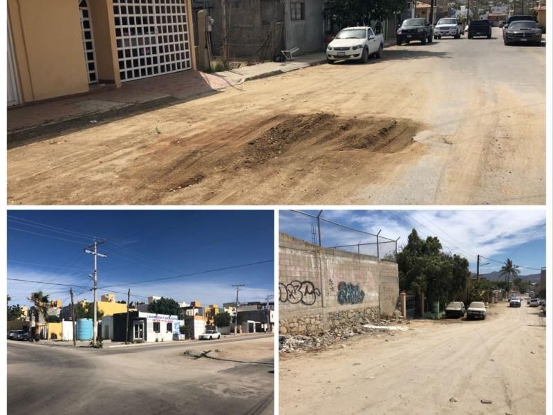 Persiste problemática de falta de agua,y calles en mal estado