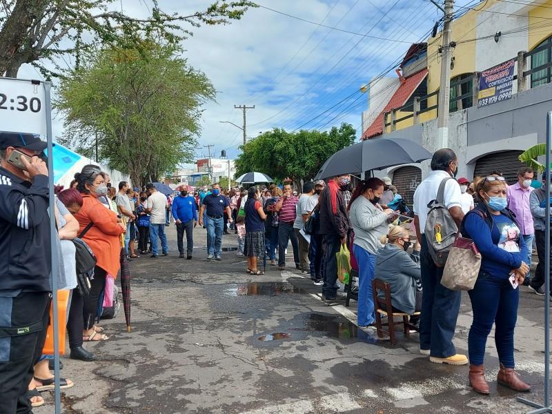 Persisten filas anticipadas y fluidez en el Benito Juárez