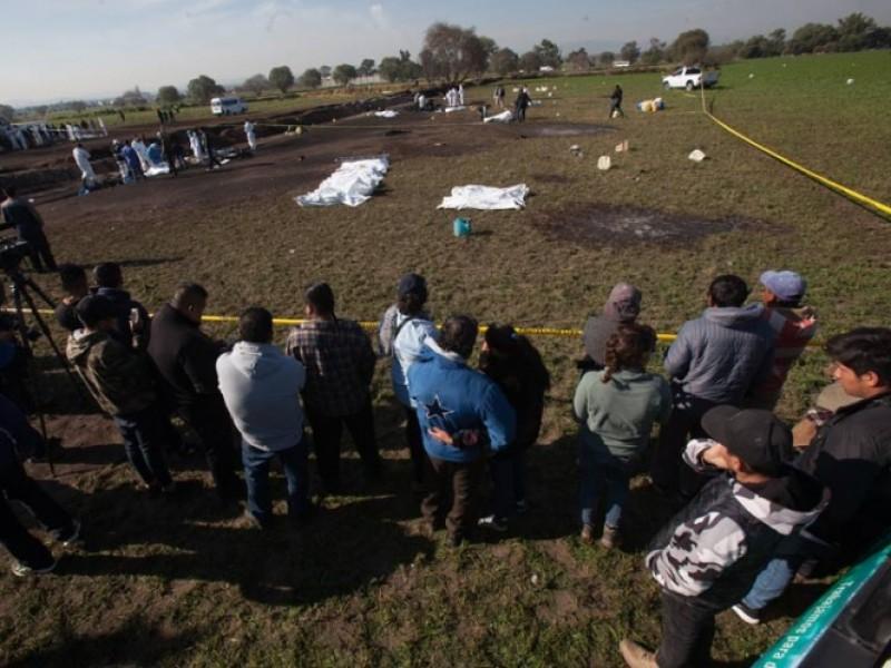 Personal de Pemex supervisa búsqueda de cuerpos