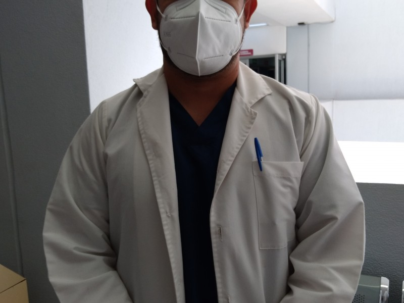 Personal de salud agotado tras 18 meses de pandemia