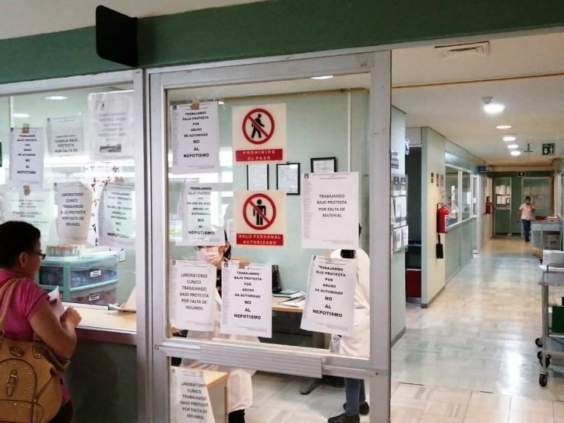 Personal del Hospital Ciudad Salud trabajan bajo protesta