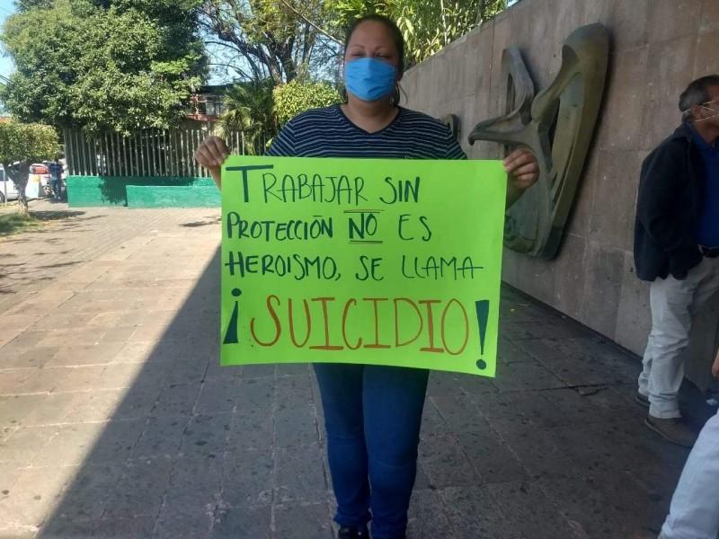 Personal del IMSS Uruapan piden garantías de protección y salud